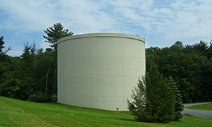 1.0 million gallon concrete thermal energy storage tank differentially buried