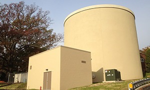 0.8 million gallon thermal energy storage tank for additional peak cooling capacity