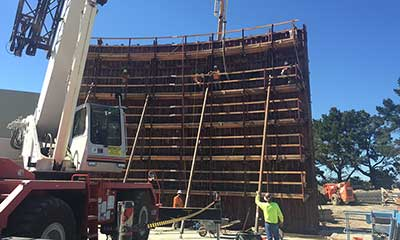 wall form for the 4.0 MG prestressed concrete tank in San Mateo, CA