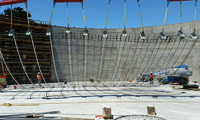 wall construction for the 4.0 MG prestressed concrete tank in San Mateo, CA